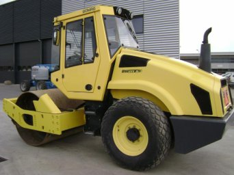"<span style=""font-weight: bold;"">Bomag BW 211  </span>"